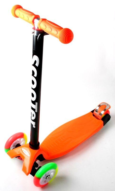 Дитячий самокат MAXI. Orange. Різнокольорові колеса.