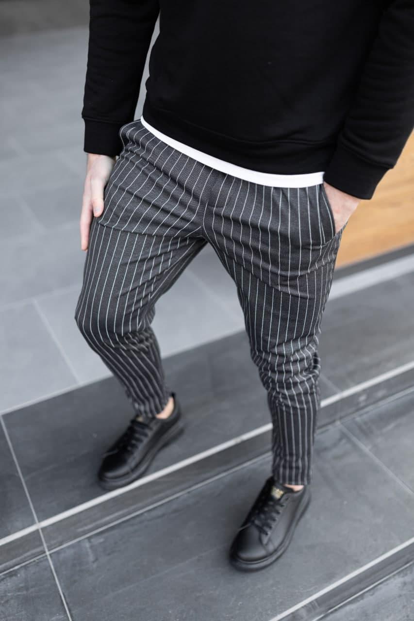 Брюки мужские классические повседневные в полоску. Стильные мужские черные штаны полосатые.