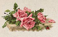 Набор для вышивания нитками Розовые розы