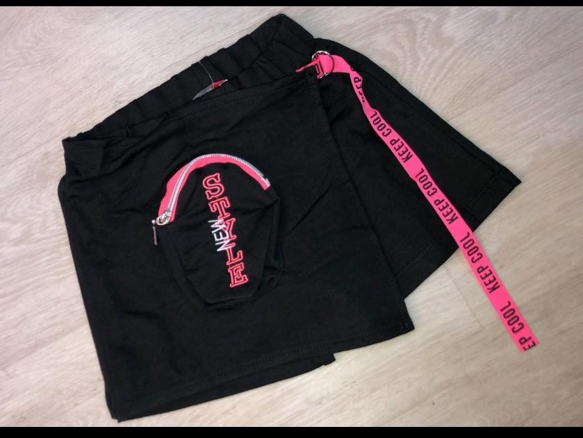 Юбка- шорты трикотажная подростковая модная красивая нарядная оригинальная чёрного цвета .