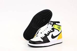 Женские баскетбольные кроссовки Найк Аир Джордан 1 Ретро черно-желтые (Nike Air Jordan 1 Mid)