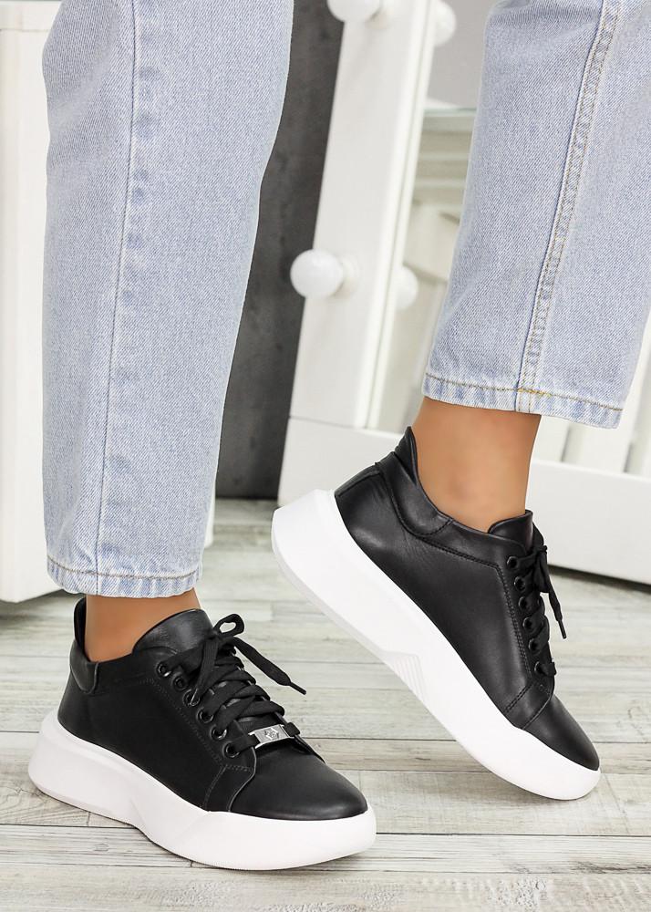 Шкіряні чорні кросівки 7603-28