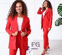 Женские классический брючный костюм красный и в цветах