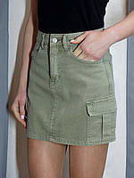 Стильная юбка с карманами цвета оливка