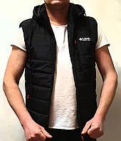 Безрукавка мужская демисезонная стильная с капюшоном черная