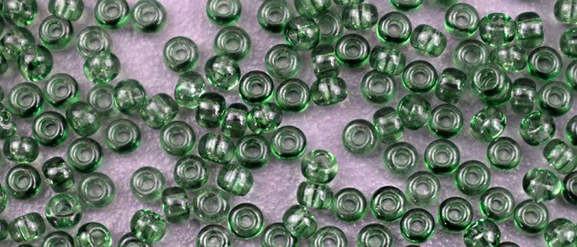 Чеський бісер Preciosa /10 Бісер для вишивання оливковий прозорий 01251