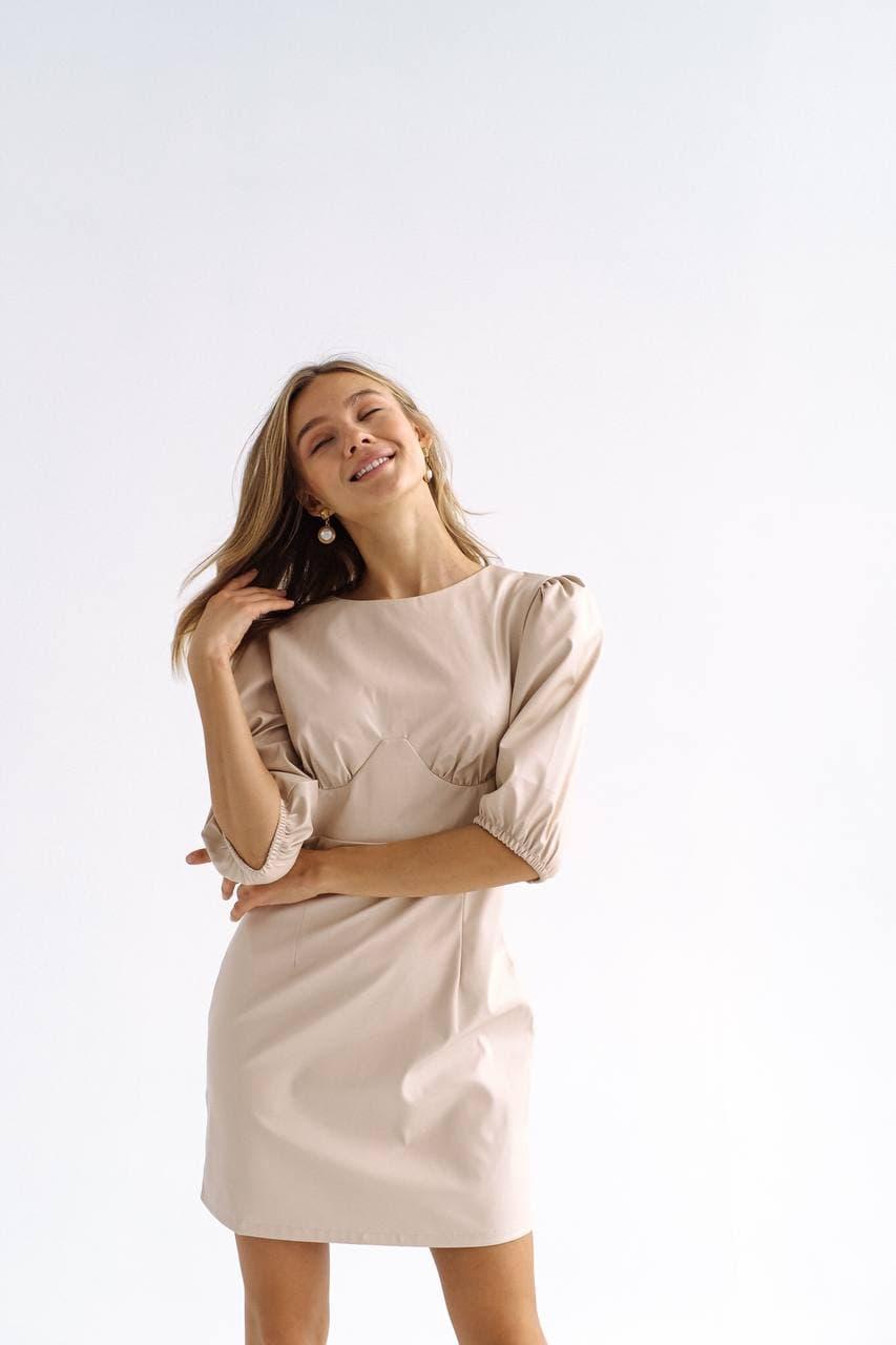Кожаное платье с подчеркнутой грудью и  объемными рукавами длиной до локтя (р. 42 - 44) 60py2258