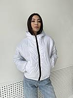 Демисезонная женская куртка с капюшоном белая 44/46