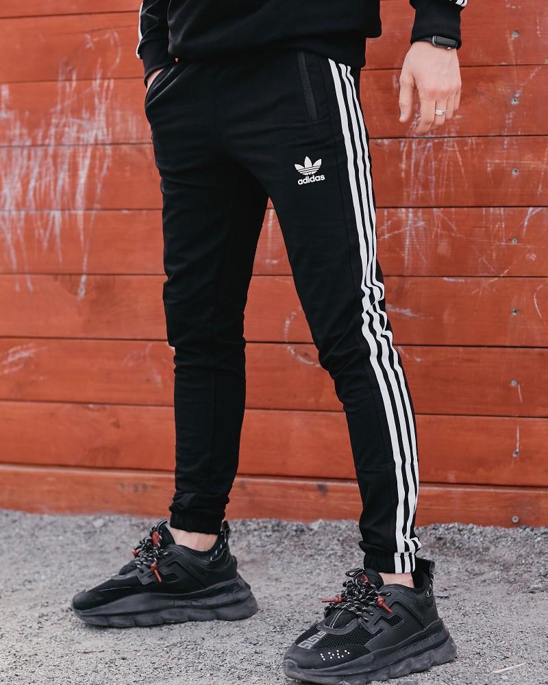 Спортивні штани в стилі Adidas Thre line чорні.