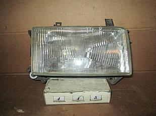 №445 Б/у фара права 701941018 для  VW Transporter T4 1990-1996