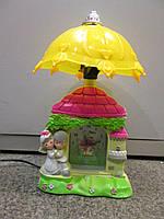 Настольная лампа для ребёнка - Пара во дворце