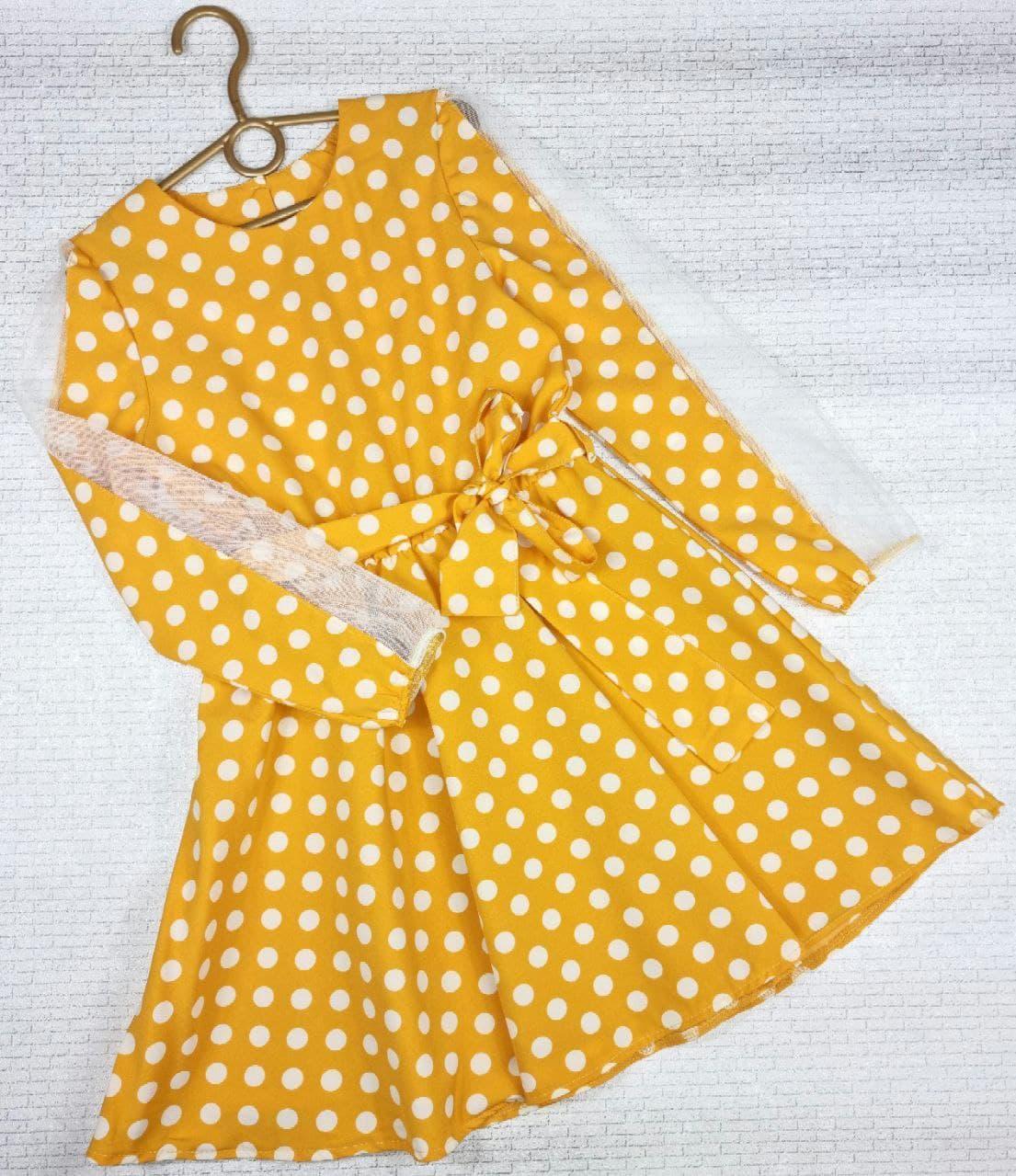 Сукня з цікавим рукавом на дівчинку 122,128,134,140,146,152 см, жовтий горох