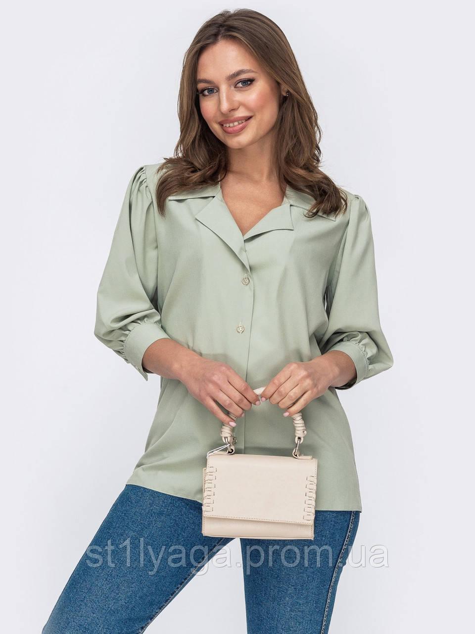 Стильная зеленая блузка на застежке пуговицы и рукавом три четверти