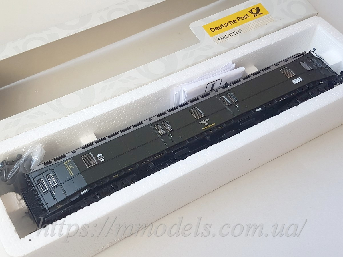 4х вісний поштовий вагон типу Post4ü, приналежності епохи DRG, масштабу H0 1:87, Roco 45439