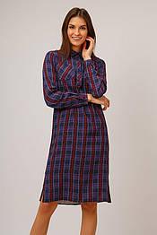 Летнее платье-рубашка из вискозы с длинным рукавом Finn Flare B19-32026-332 в клетку бордовое