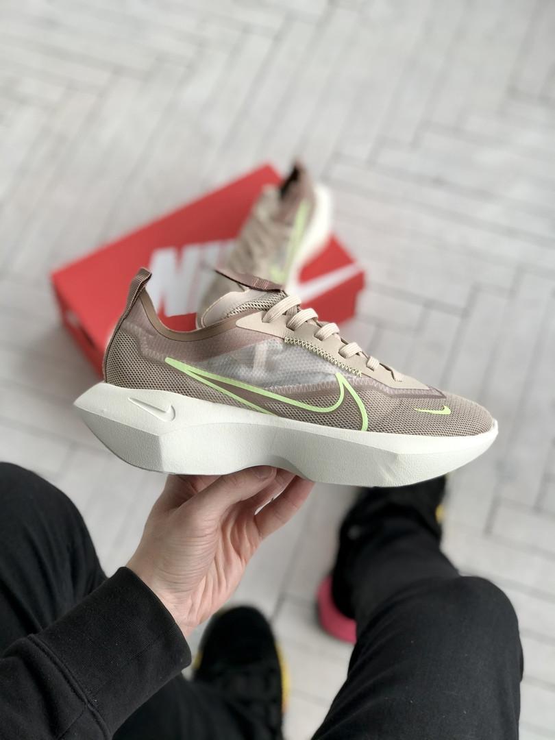 Женские кроссовки Nike Vista бежевые