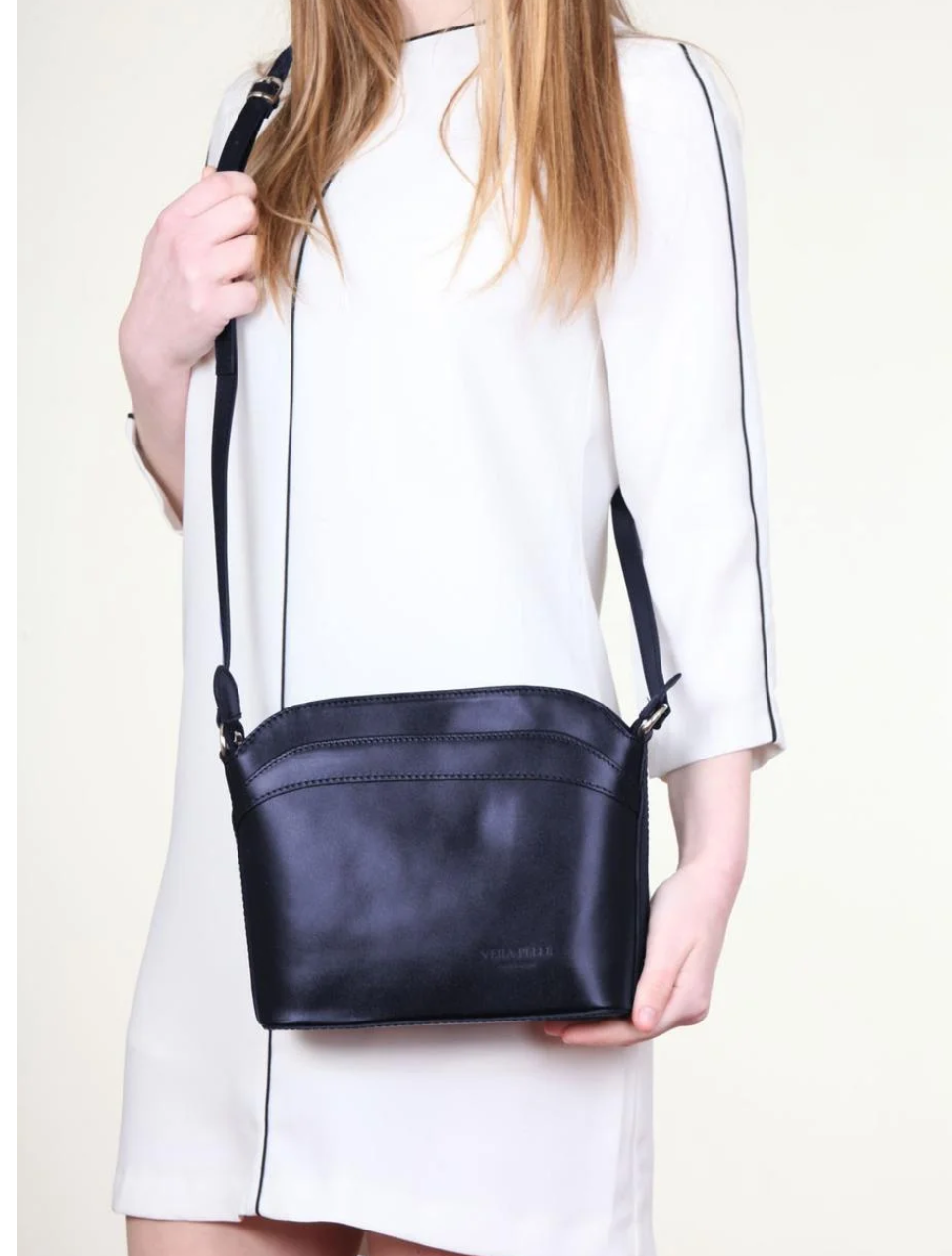 Итальянская Женская черная кожаная сумка 24х20х7