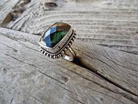 Дизайнерское кольцо из серебра зеленым аметистом от WickerRing