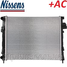 Радиатор охлаждения двигателя на Renault Trafic / Opel Vivaro 1.9dCi +AC (2001-2006) Nissens (Дания) NIS63025A