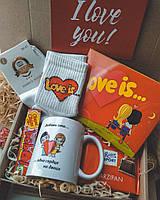 """Подарочный набор, бокс со сладостями """"Love Is"""""""