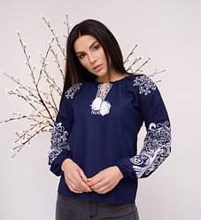 """Вышитая женская блуза """"Ольга"""" из льна в синем цвете с белым орнаментом"""