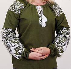 """Вышитая женская блуза """"Ольга"""" из льна в зелёном цвете с белым орнаментом"""