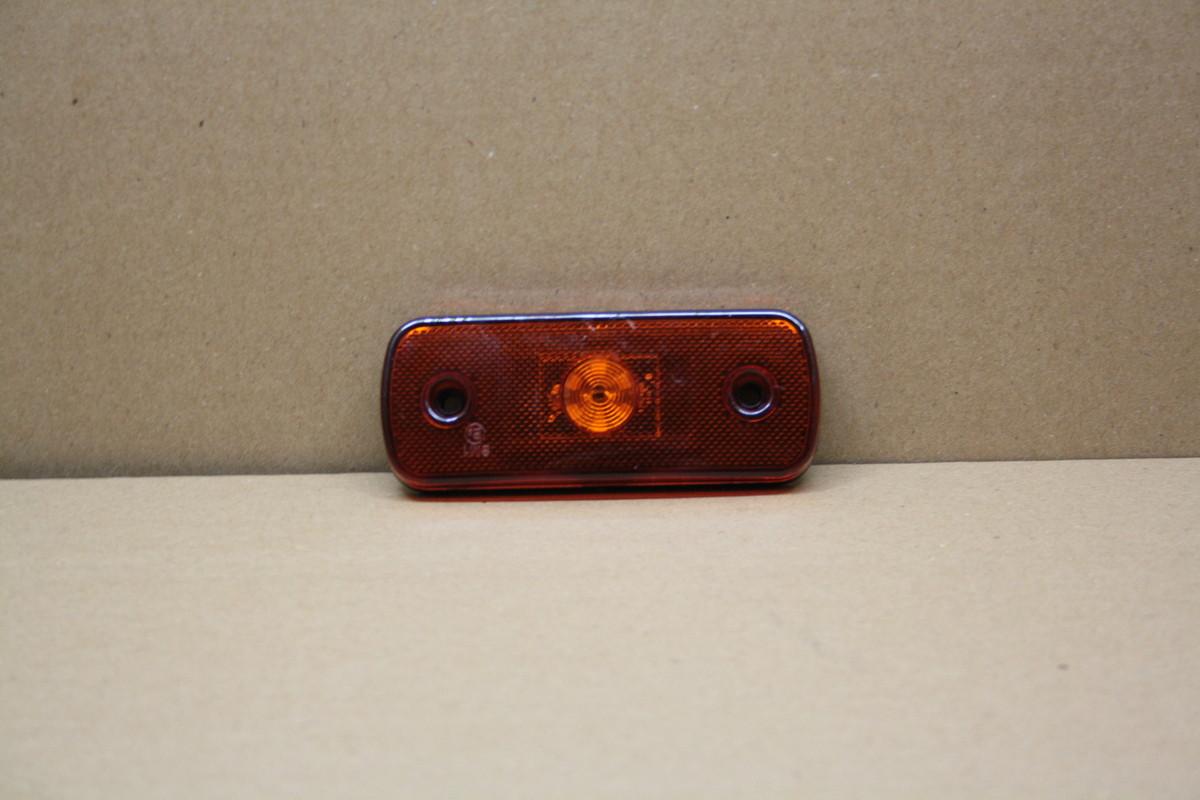 Габаритный 6-ти диодный фонарь желтый 12-24в. 0188