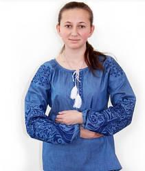 """Вышитая льняна блуза """"Ольга"""" джинсового цвете с синей вышивкой"""