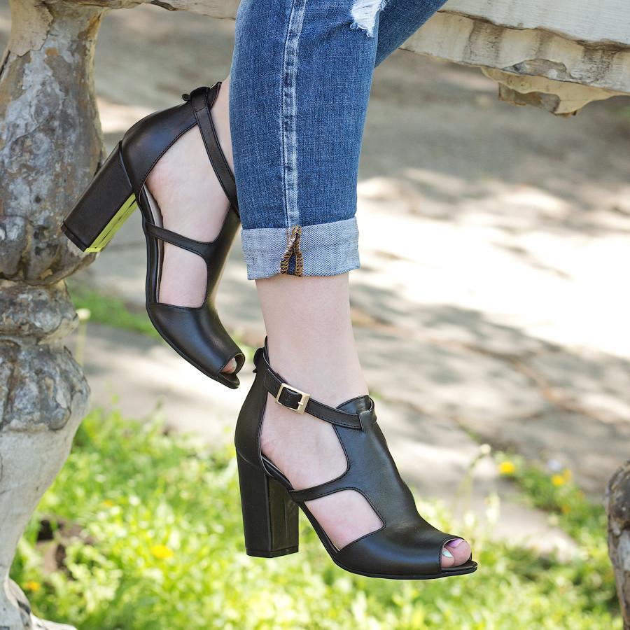 Босоножки женские кожаные черные на каблуке, с закрытой пяткой. Размер 35-41