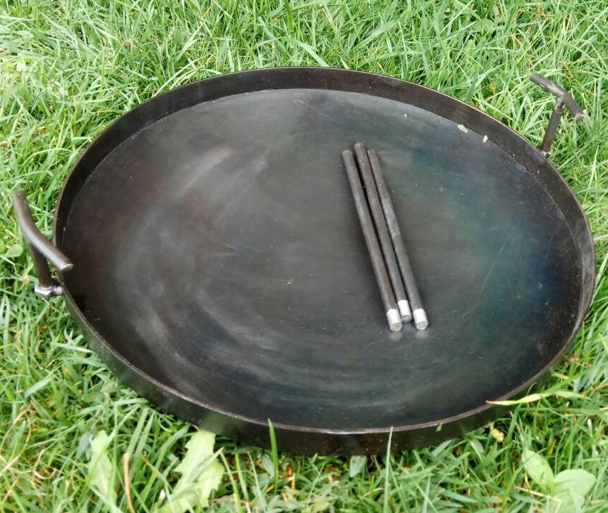 Сковорода діаметром 80 см з диска борони, без кришки