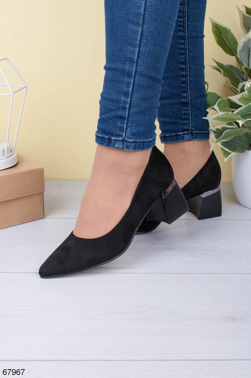 Жіночі чорні туфлі на підборах 5,5 см еко - замш