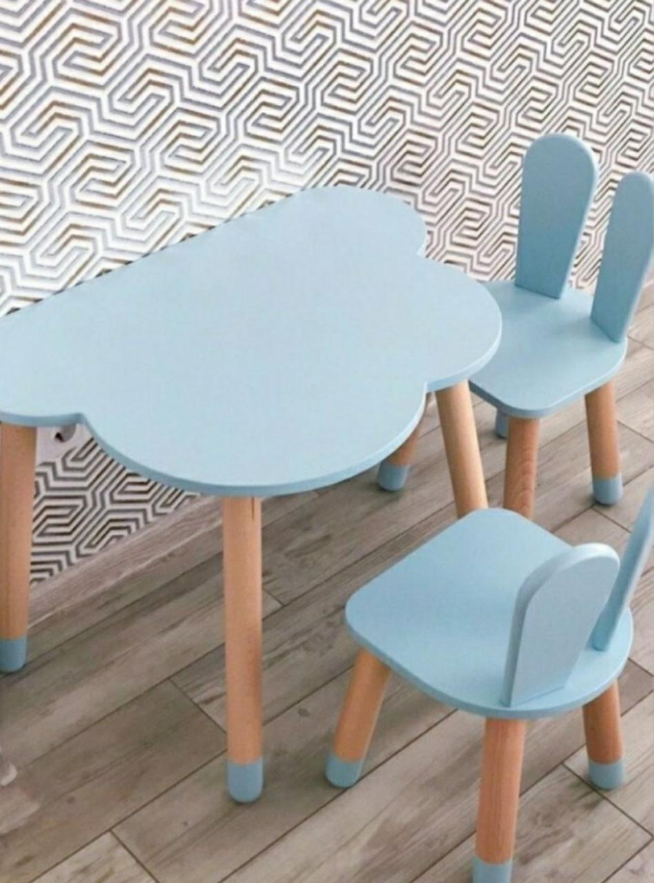 Детский стол и 2 стула (2 стульчика зайки и стол полуоблако)
