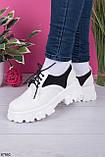 Стильні туфлі - броги жіночі білі з чорним на шнурках еко шкіра, фото 2