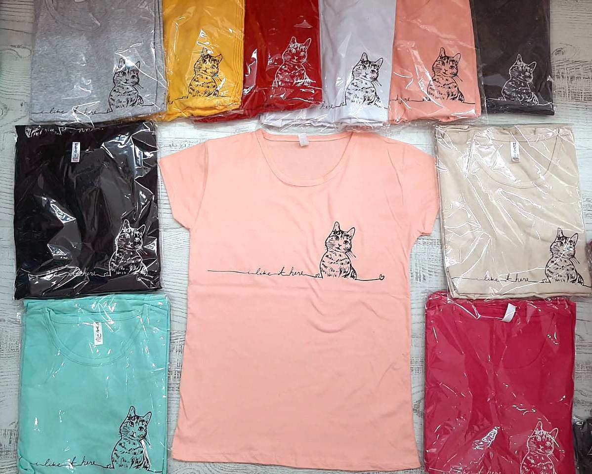 Однотонная футболка с маленьким рисунком 42-46 (в расцветках)