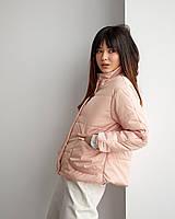 Жіноча куртка з матовою плащової тканини на підкладці утеплена сіліконізованним синтепоном