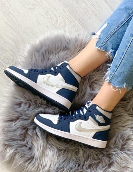 Жіночі кросівки Jordan 1 Retro Navy blue/white