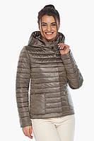 Капучиновая куртка женская осенне-весенняя со съемным капюшоном модель 67510