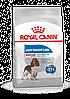 Корм Royal Canin Medium Light Weight Care, для собак средних пород склонных к полноте, 3 кг 30210301