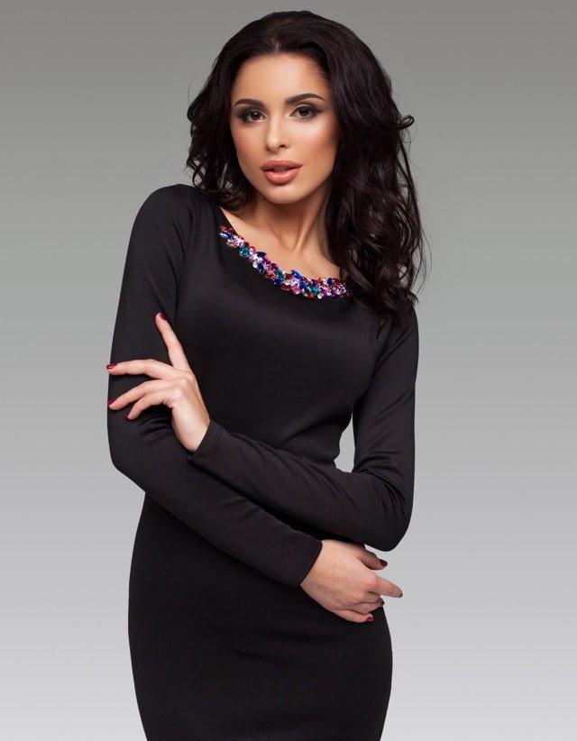 57fbd69bb60efaf Женское черное платье с камнями на груди -