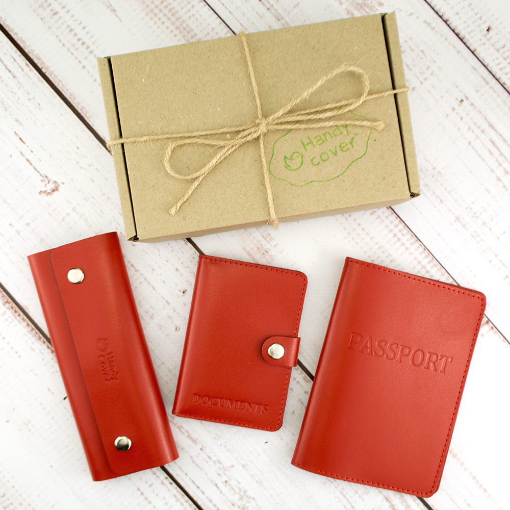 Подарунковий набір жіночий Handycover №49 (червоний) обкладинка на паспорт, права і ключниця