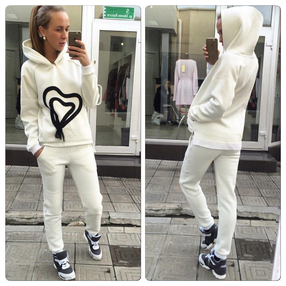 Спортивные костюмы женские белые