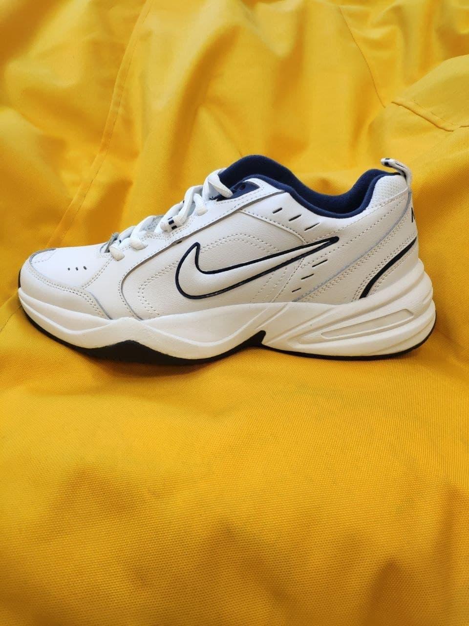 Мужские кроссовки Nike Air Monarch IV (белые) D81 спортивная легкая обувь для парней