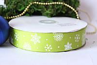 "Лента репсовая с рисунком 2.5 см, ""Снежинки"" на зеленом"