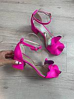 Красивые женские босоножки кожаные розовые, малиновые на каблуке. Летние женские босоножки 2021