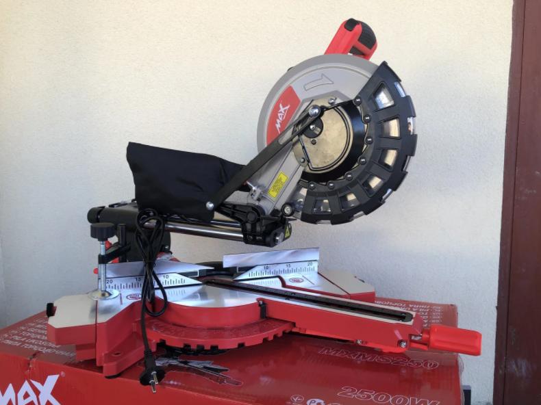 Торцювальна пила MAX MXSM-250-2S 2500 Вт з лазерним покажчиком і підсвічуванням зони різу