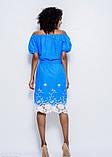 Голубое тонкое коттоновое платье с белой вышивкой и плотным кружевом по подолу S, фото 3