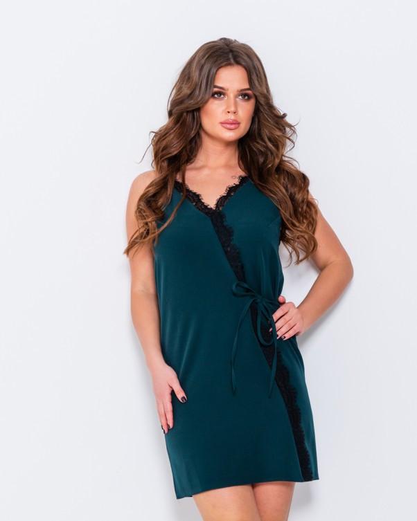 Зеленое платье с кружевом и завязками сбоку