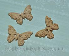 Дерев'яна ґудзик метелик 23 x 18 мм