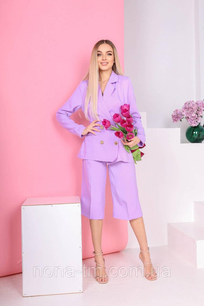 Женский костюм деловой с укороченными брюками
