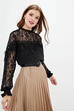 Нарядная блуза с гипюром